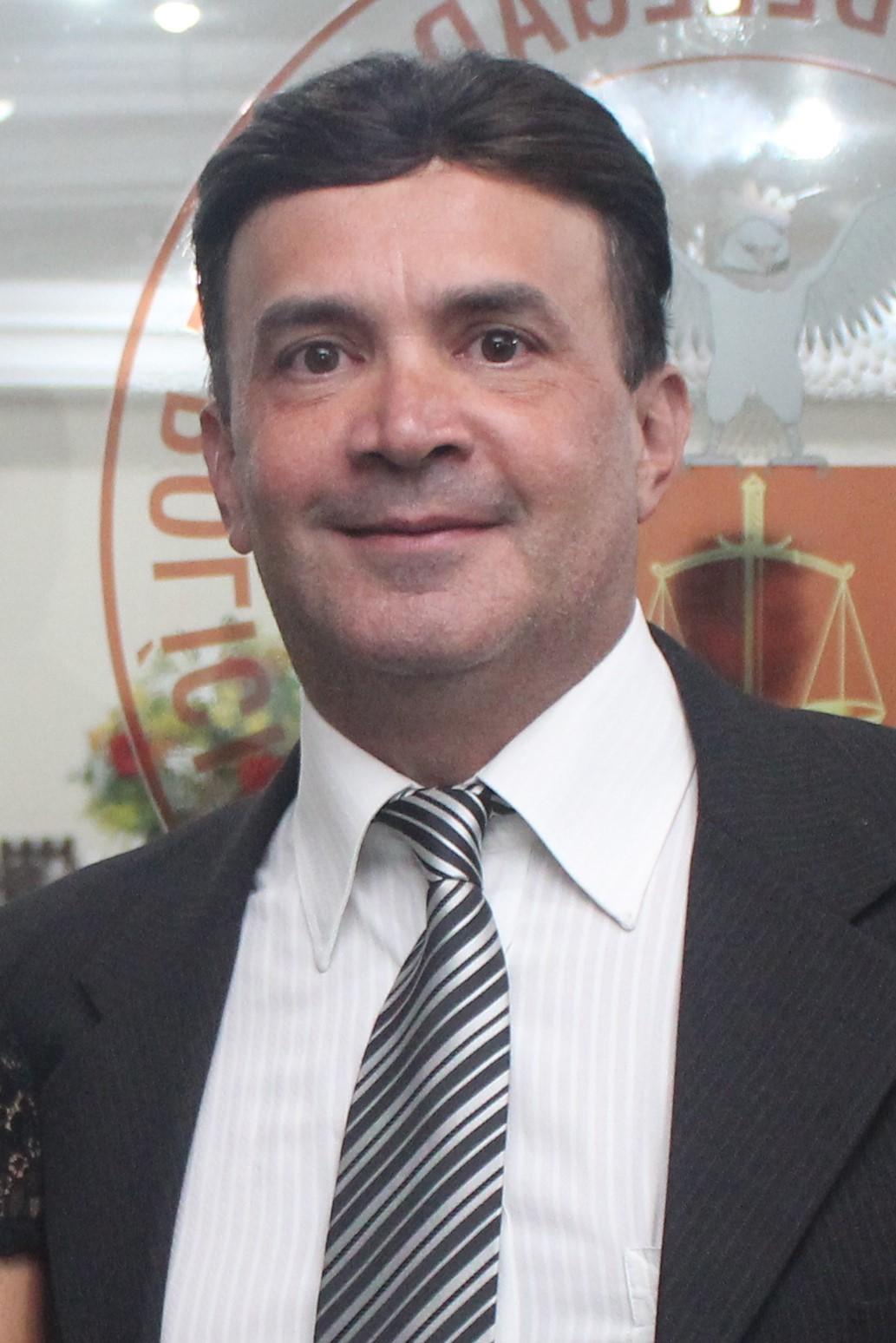 Dr. Robson Cezar da Silva Barreto