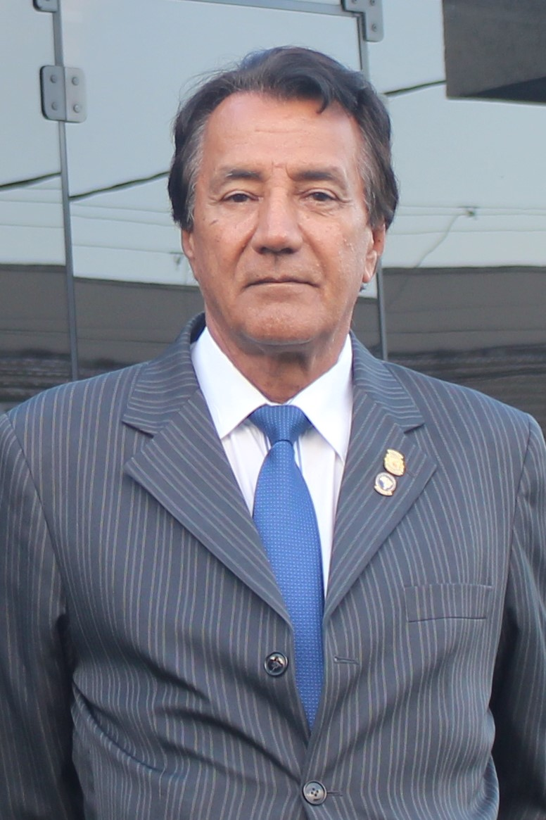Dr. Ernesto dos Santos Neto