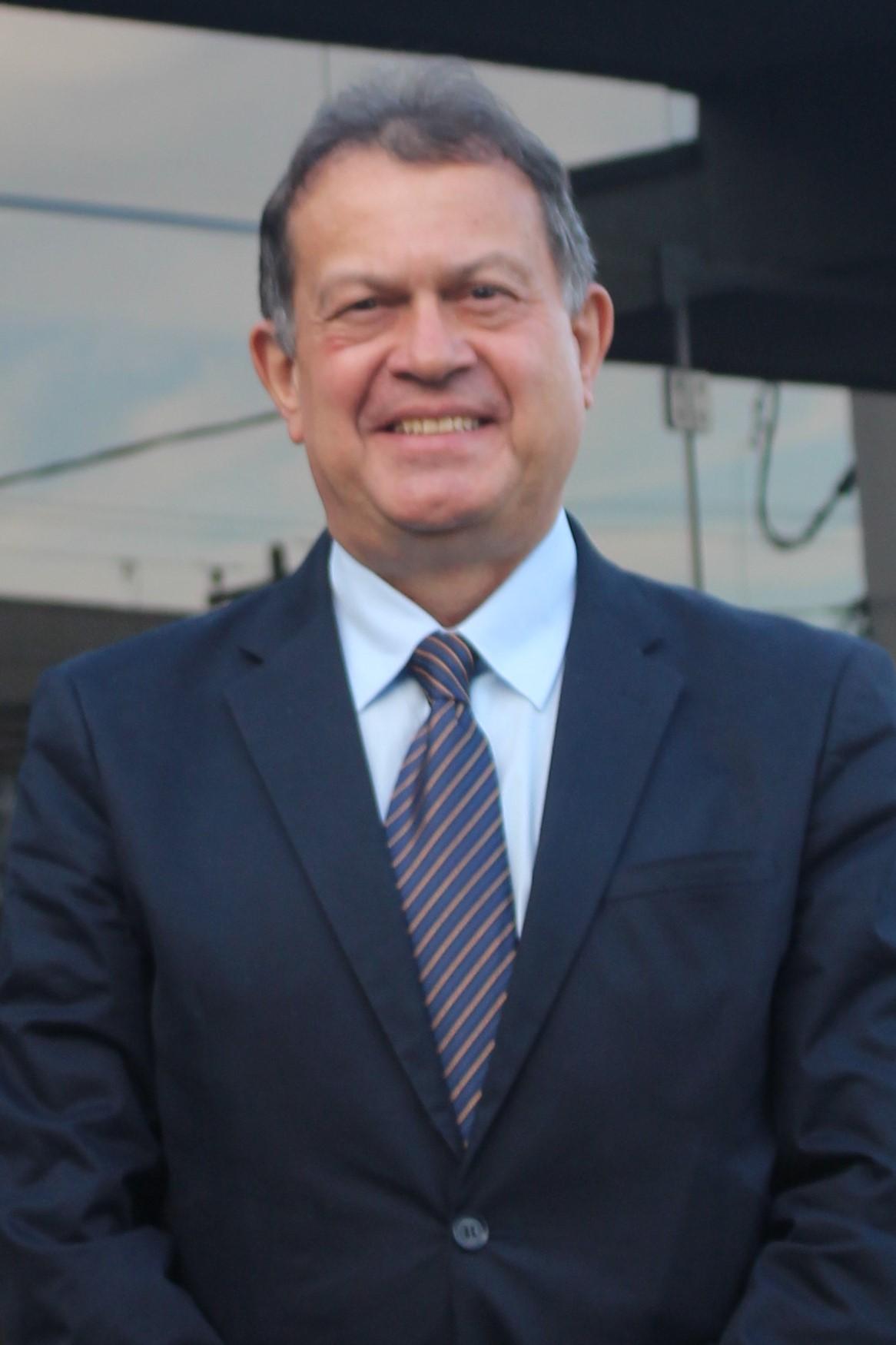 Dr. Gutemberg Luz Neves Ribeiro